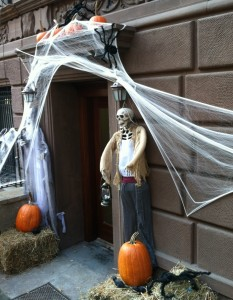 halloween skeleton 233x300 Halloween and the military